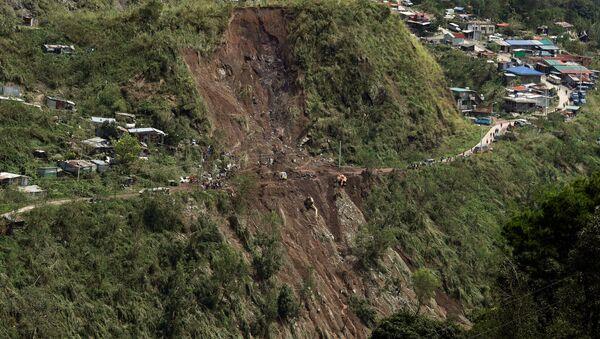 Deslizamiento causado por el tifón Mangkhut en Filipinas - Sputnik Mundo
