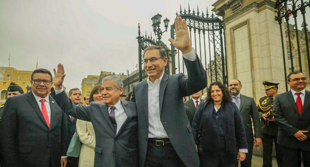 Martín Vizcarra, presidente de Perú junto al vicepresidente César Villanueva.