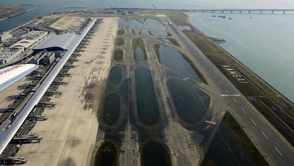 Aeropuerto de Kansai tras el tifón Jebi - Sputnik Mundo