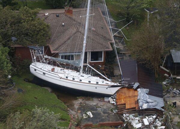 Las secuelas de la tormenta tropical Florence en EEUU. - Sputnik Mundo