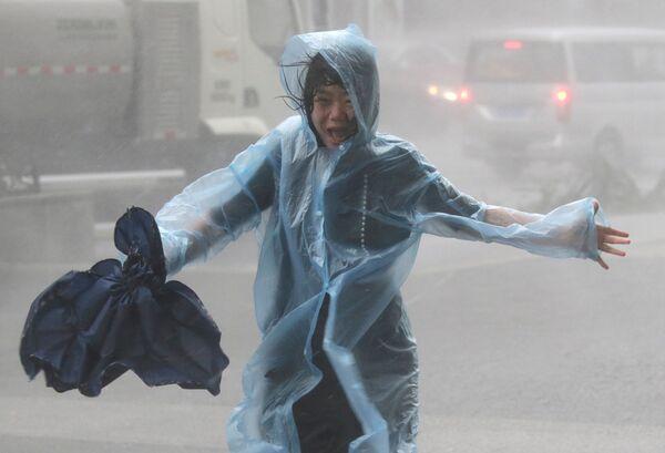 El devastador poderío del supertifón Mangkhut en China. - Sputnik Mundo