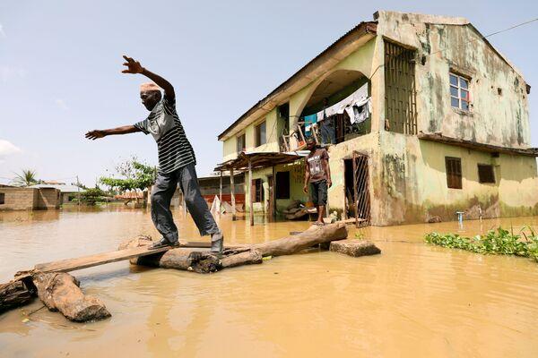 Las consecuencias de las inundaciones en Nigeria. - Sputnik Mundo