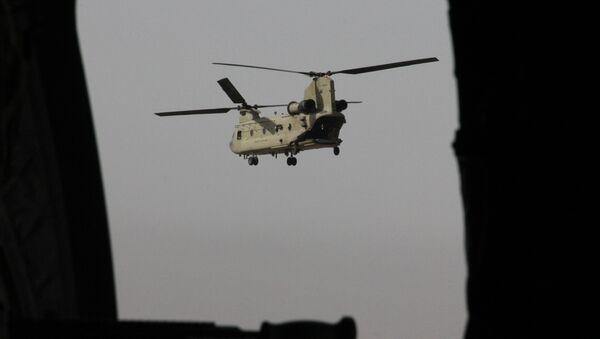 Un helicóptero Chinook (imagen referencial) - Sputnik Mundo