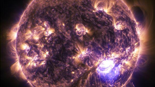 Una tormenta solar - Sputnik Mundo