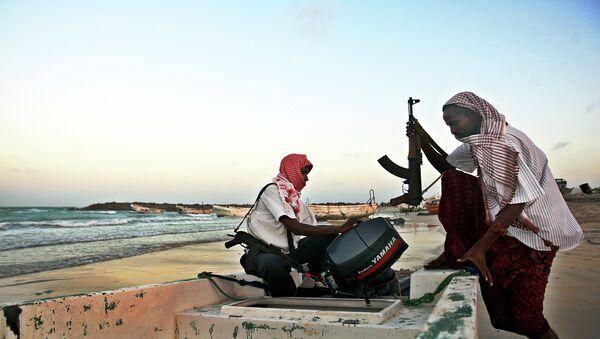 Piratas africanos (archivo) - Sputnik Mundo