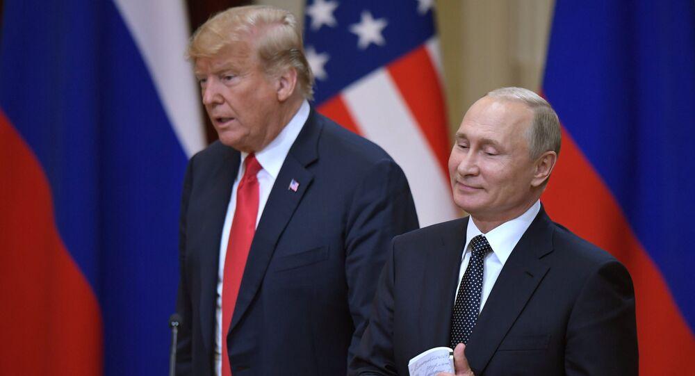 El encuentro de Vladímir Putin, presidente de Rusia, y Donald Trump, presidente de EEUU (archivo)
