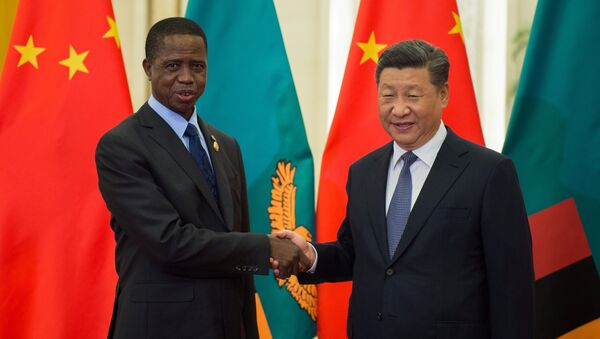 Edgar Lungu, presidente de Zambia, y Xi Jinping, presidente de China (archivo) - Sputnik Mundo