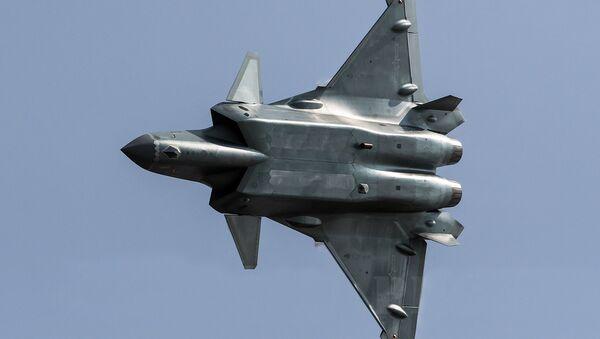 Caza futivo chino J-20 - Sputnik Mundo