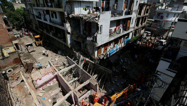 Colapso del edificio en el norte de Nueva Delhi - Sputnik Mundo