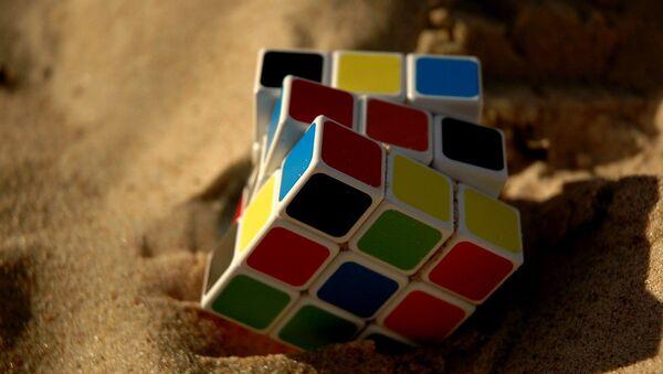 Un cubo de Rubik, referencial - Sputnik Mundo
