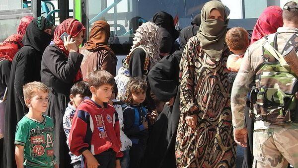 Refugiados sirios en Abu al Duhur - Sputnik Mundo