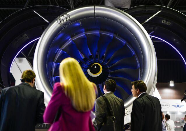 Motor PD-14 en el Salón Aeroespacial MAKS 2015