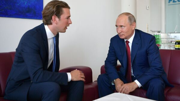 El canciller de Austria, Sebastian Kurz, y el presidente de Rusia, Vladímir Putin - Sputnik Mundo
