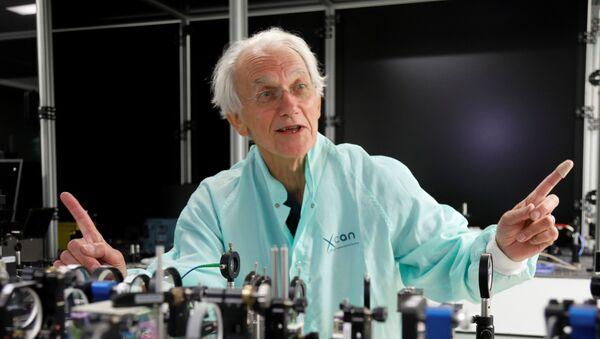 Gerard Mourou, ganador del Premio Nobel de Física - Sputnik Mundo