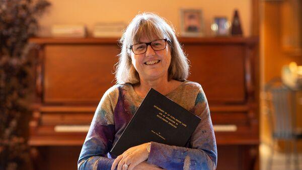 Donna Strickland, ganadora del Premio Nobel de Física - Sputnik Mundo