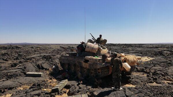 El Ejército sirio logró arrebatar a los terroristas sus reservas de agua fresca en el desierto de Suwaida - Sputnik Mundo