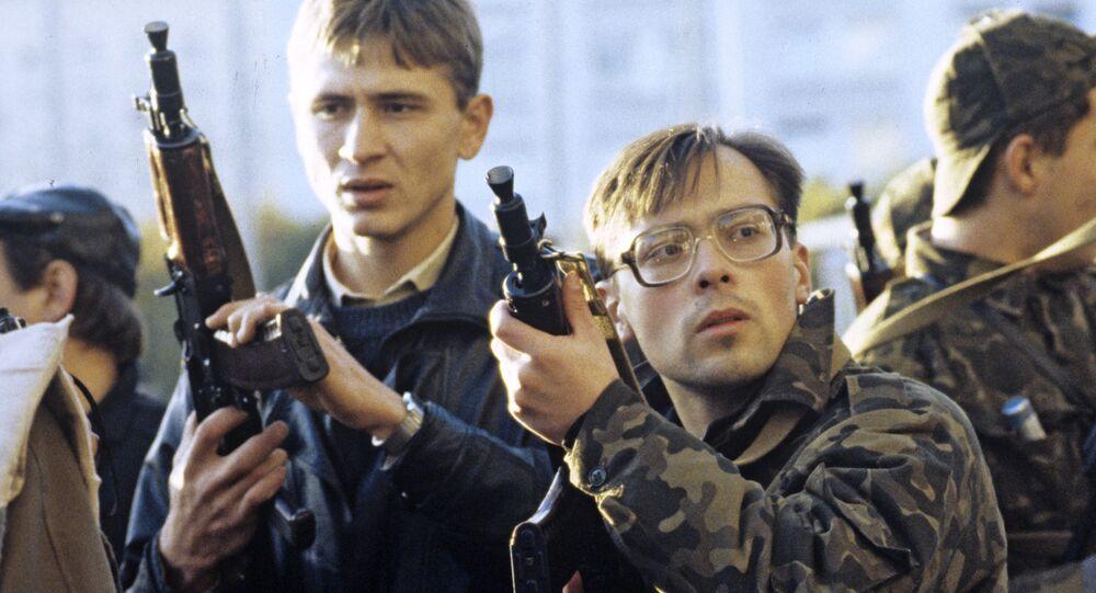 Hombres armados defienden la sede del Sóviet Supremo (archivo)