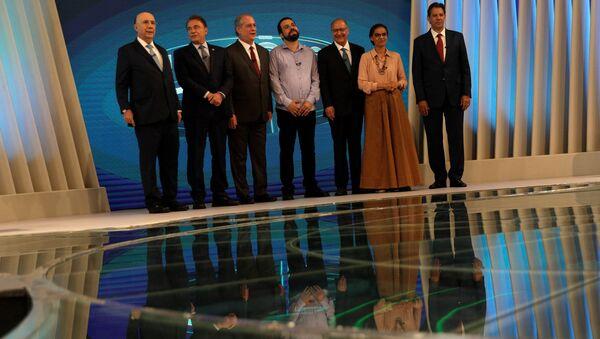 Candidatos durante el debate electoral en Brasil - Sputnik Mundo