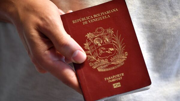 Un pasaporte venezolano - Sputnik Mundo