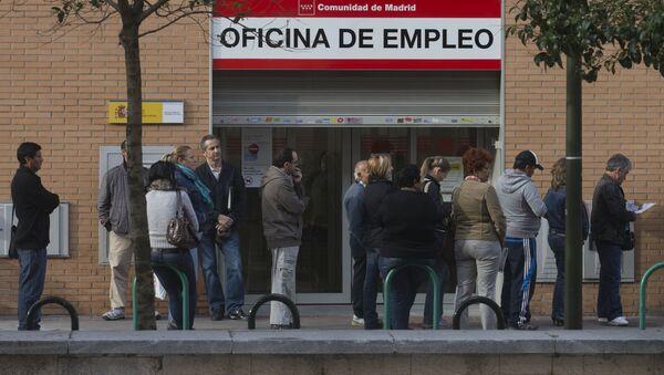 Oficina de empleo en Madrid (archivo) - Sputnik Mundo