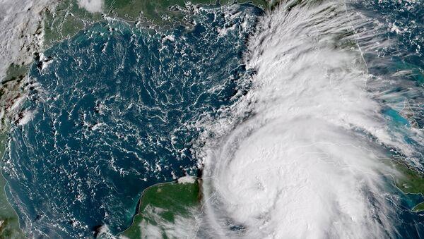 Tormenta Michael en el Golfo de México - Sputnik Mundo