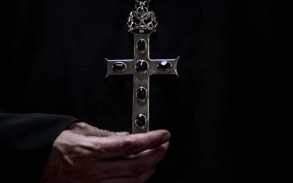 Archimandrita Nektariy Hajji-Petropoulos de la Iglesia Ortodoxa Rusa en la Ciudad de México, posa para foto - Sputnik Mundo