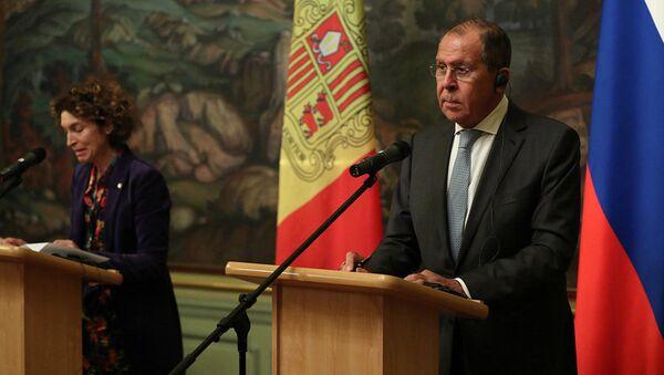 La Ministra de Asuntos Exteriores del Principado de Andorra, Maria Ubach, y el Ministro de Asuntos Exteriores de la Federación de Rusia, Serguéi Lavrov, durante la rueda de prensa en Moscú - Sputnik Mundo