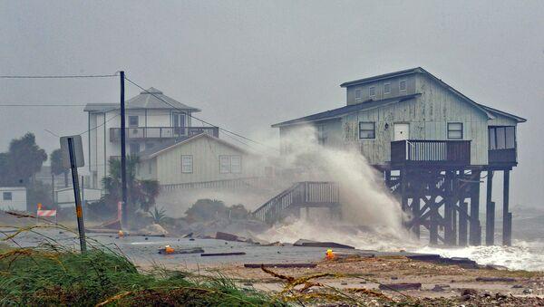 Desoladoras imágenes: la furia del huracán Michael causa estragos en EEUU - Sputnik Mundo