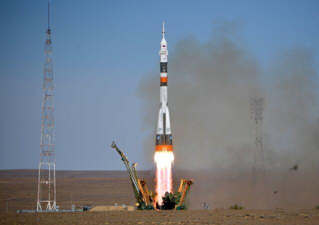 El lanzamiento del Soyuz MS-10