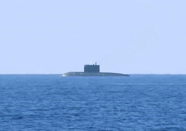 El submarino ruso de propulsión diésel-eléctrica Krasnodar (archivo)