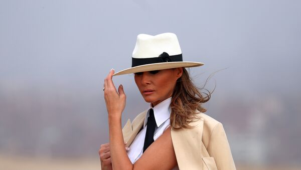 Melania Trump visita las pirámides de Giza en Egipto - Sputnik Mundo