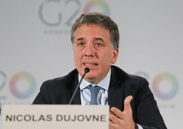 Nicolás Dujovne, ministro de Hacienda de Argentina durante la rueda de prensa en Indonesia