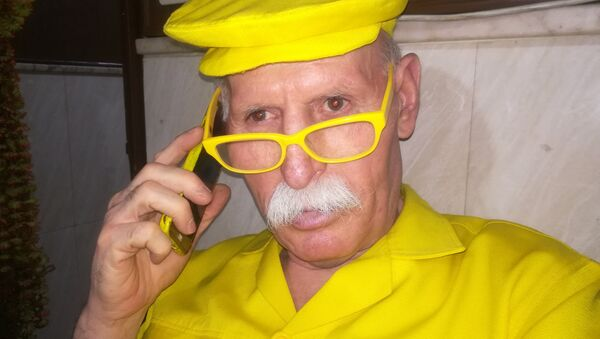 Abu Zakur, de Alepo (Siria), es conocido por el apodo de 'hombre amarillo' - Sputnik Mundo