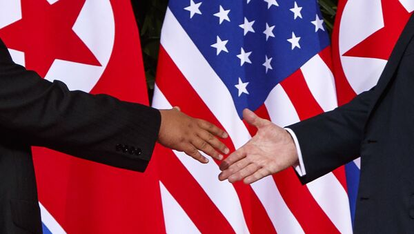 La cumbre entre Donald Trump y Kim Jong-un (Archivo) - Sputnik Mundo