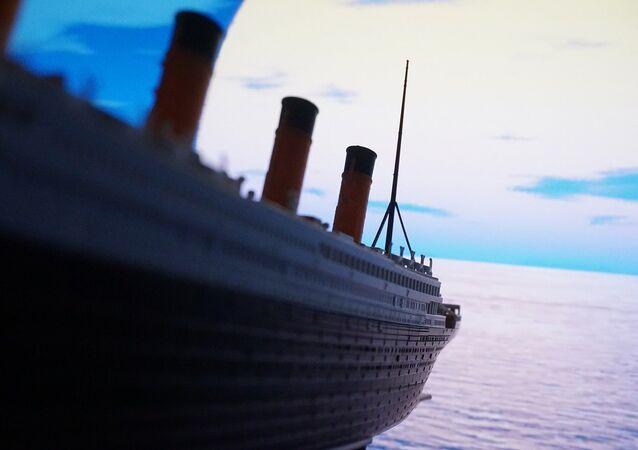 Representación artística del buque Titanic