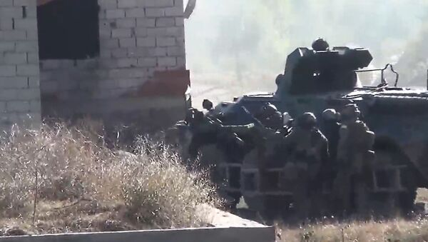 Agentes rusos desmantelan un refugio de terroristas de ISIS en Daguestán - Sputnik Mundo
