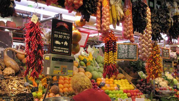 El mercado de San José, conocido popularmente como La Boquería, en Barcelona, España - Sputnik Mundo