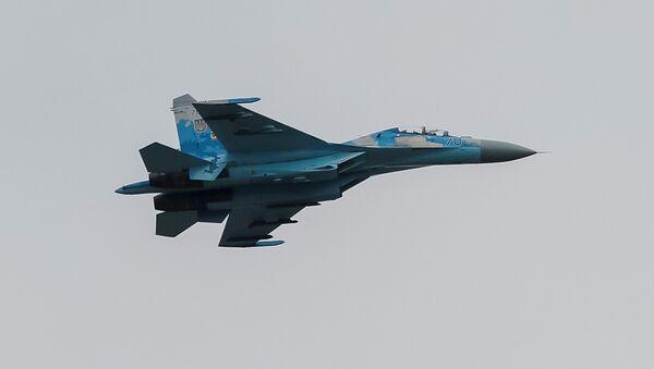 Un avión de combate Su-27 ucraniano - Sputnik Mundo