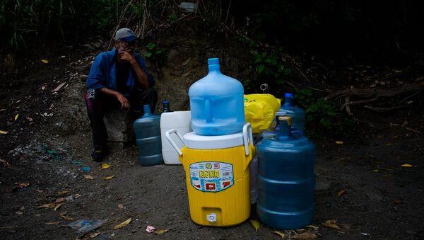 Habitantes del oeste de Caracas en las faldas de la montaña Waraira Repano - Sputnik Mundo