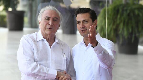 El presidente de Brasil, Michel Temer y el presidente saliente de México, Enrique Peña Nieto - Sputnik Mundo