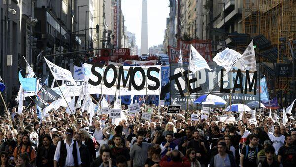 Protestas contra los despidos de Télam en Buenos Aires, Argentina - Sputnik Mundo