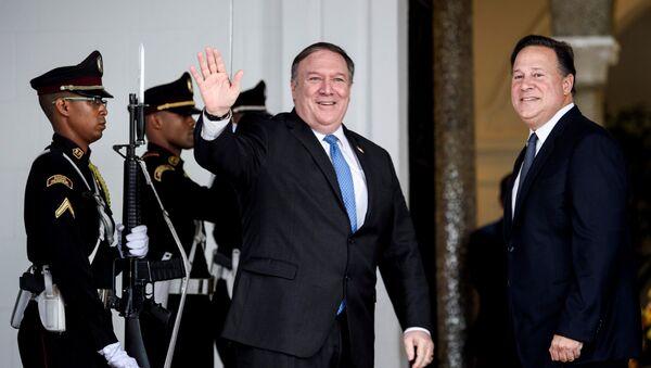 Secretario de Estado de EEUU, Mike Pompeo, y presidente de Panamá, Juan Carlos Varela - Sputnik Mundo