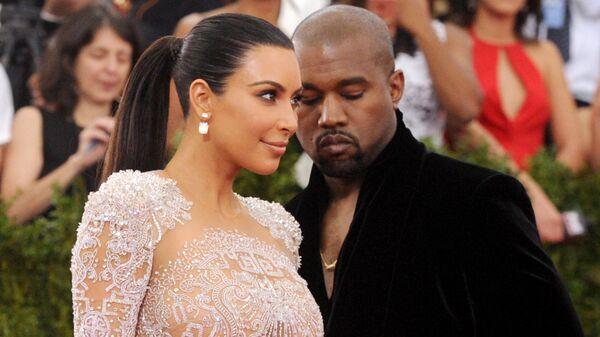Kim Kardashian y Kanye West (archivo) - Sputnik Mundo