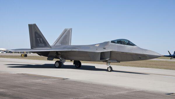 Un avión estadounidense F-22 Raptor - Sputnik Mundo