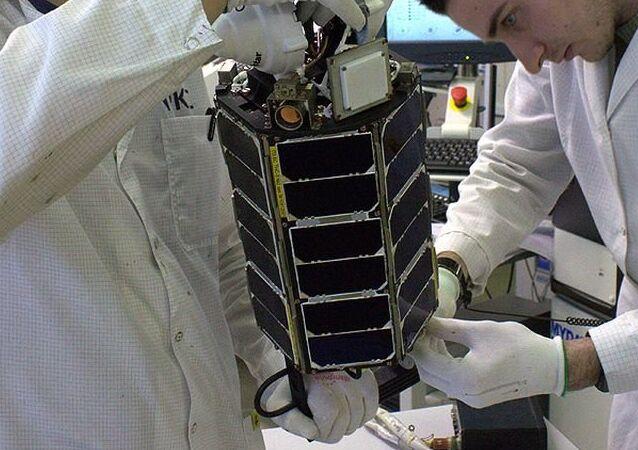 El nanosatélite ruso TNS-0 №2 durante la preparación para el lanzamiento (archivo)