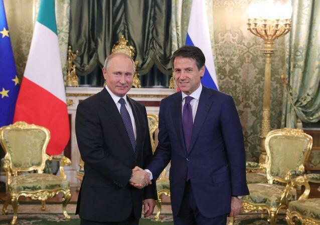 El presidente ruso, Vladímir Putin, y el primer ministro italiano, Giuseppe Conte