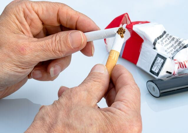 Un cigarrillo roto