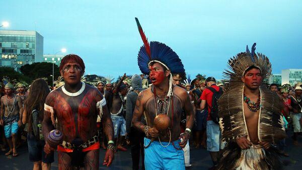Indígenas brasileños (imagen referencial) - Sputnik Mundo