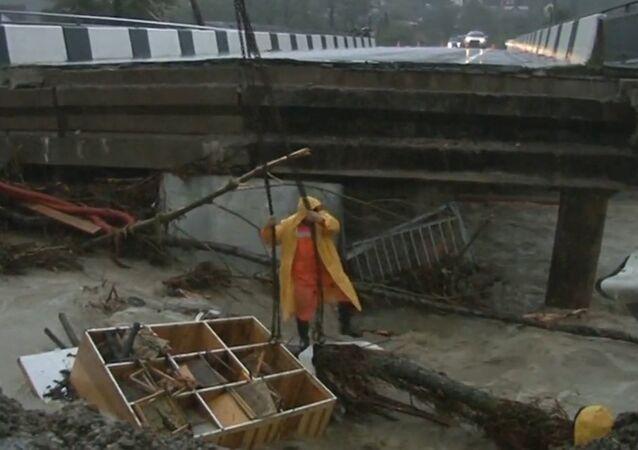Las fuertes lluvias provocan inundaciones y desastres en el suroeste de Rusia