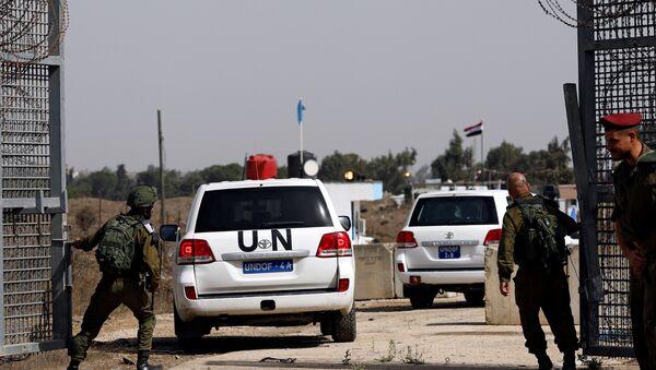 Vehículos de la ONU en los Altos del Golán - Sputnik Mundo